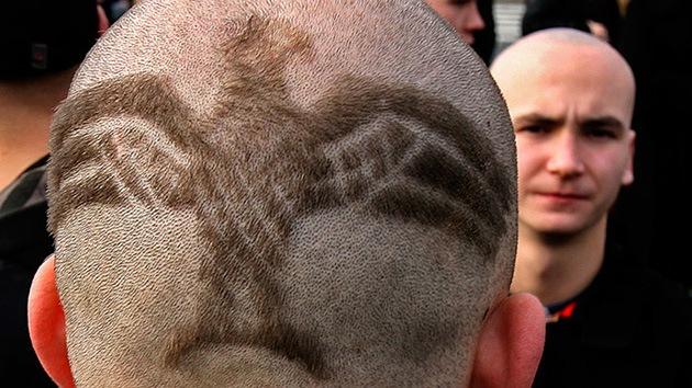 Doscientos neonazis festejan el aniversario de Hitler en una localidad francesa