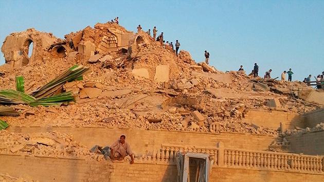 Video: Estado Islámico convierte en polvo importante santuario iraquí ante una multitud