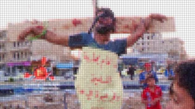 Rebeldes sirios crucifican a varias personas en la ciudad de Raqqa