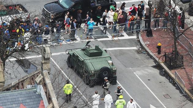 El FBI detiene a tres personas vinculadas con los sospechosos del atentado de Boston