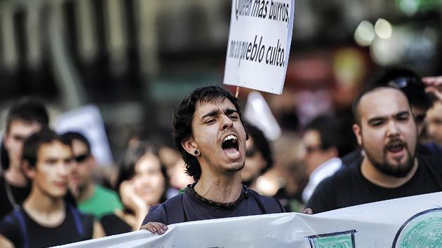Todo el sistema educativo español en huelga por los recortes del Gobierno