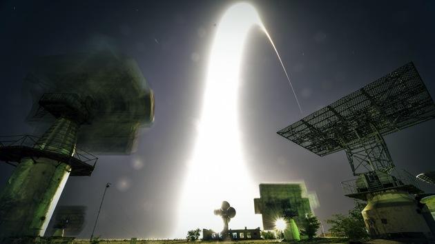 EE.UU. puede perder la carrera espacial con China por no cooperar con Rusia