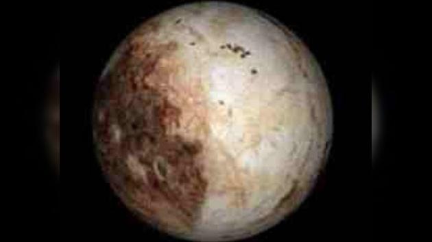 Plutón se hace el camaleón