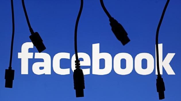 """Greenwald: """"Nadie debería usar Facebook"""""""
