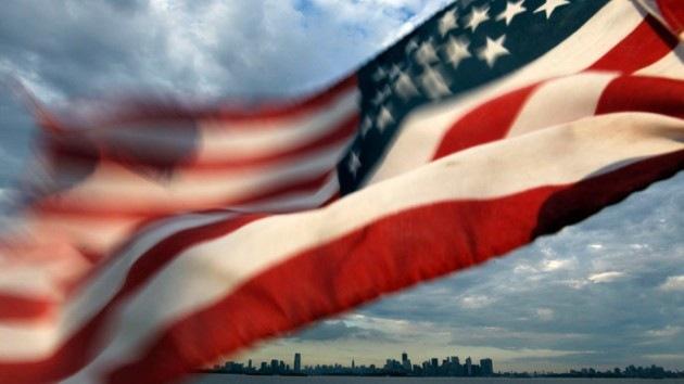 Prohíben al Ejército de EE.UU. usar banderas nacionales hechas en China