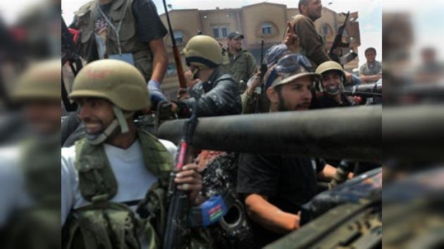 Medvédev: El conflicto en Libia puede ser solucionado sólo de manera pacífica