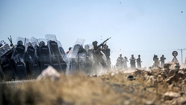VIDEO: Fuertes enfrentamientos en la frontera entre Turquía y Siria