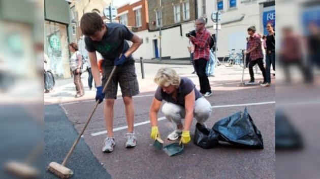 Detienen a un joven por un asesinato en Londres durante los disturbios