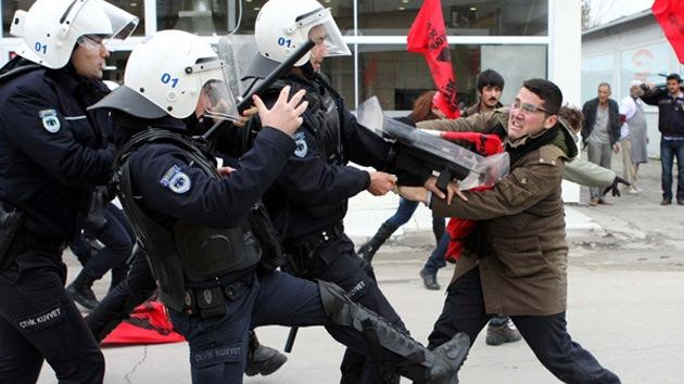Fotos: Protestas masivas en Turquía contra la llegada de los misiles Patriot de la OTAN