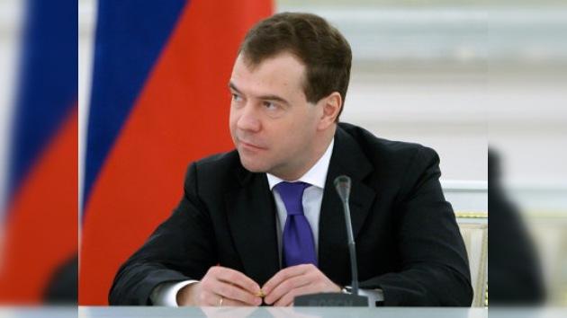 Medvédev: el START está confirmado en un 95%