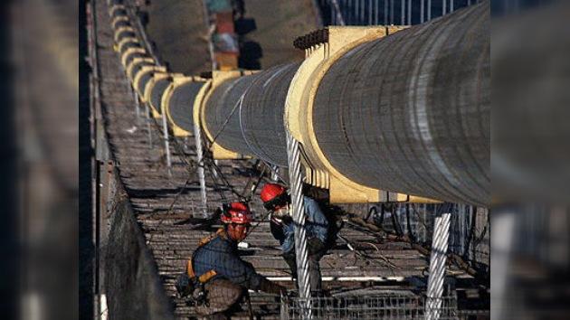 China concluye la construcción del mayor conjunto de puentes y túneles del mundo
