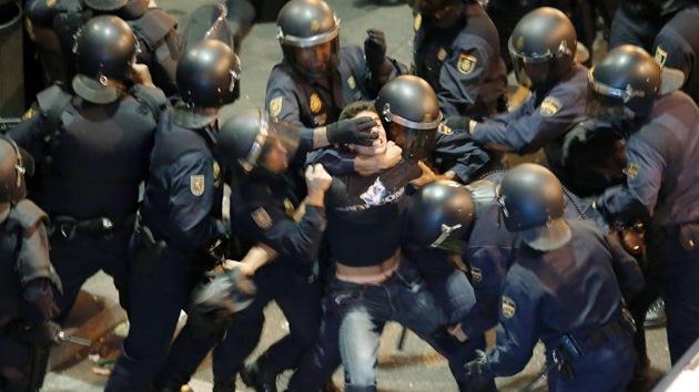 España encarcela a sus manifestantes y aplaude a los de Kiev