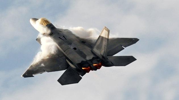 ¿Es realmente capaz el caza furtivo F-22 de derribar a 20 aviones chinos?