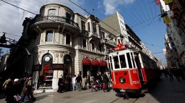 Video: Yihadistas del Estado Islámico viajan libremente en transporte público en Estambul
