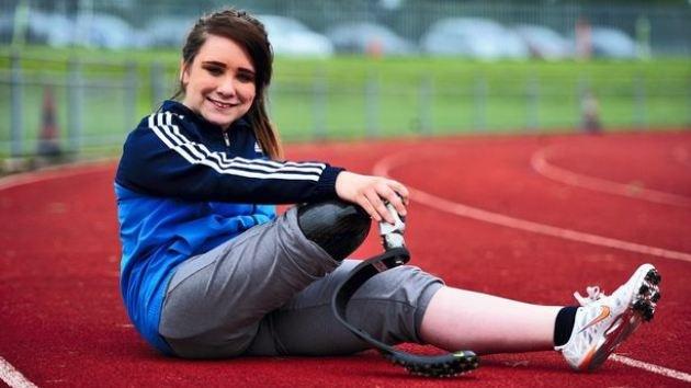 Adolescente británica pide que le amputen la pierna para ganar en los Paralímpicos