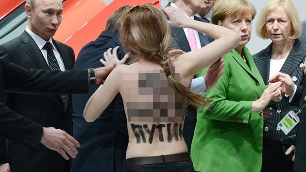 Las ucranianas de Femen se desnudan ante Putin
