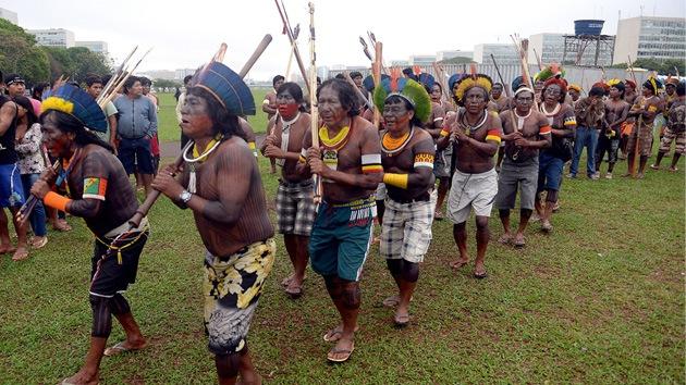 Indígenas brasileños se movilizan para demandar derechos territoriales