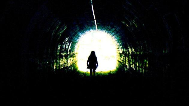 Científicos se asoman al 'túnel luminoso' de la muerte clínica