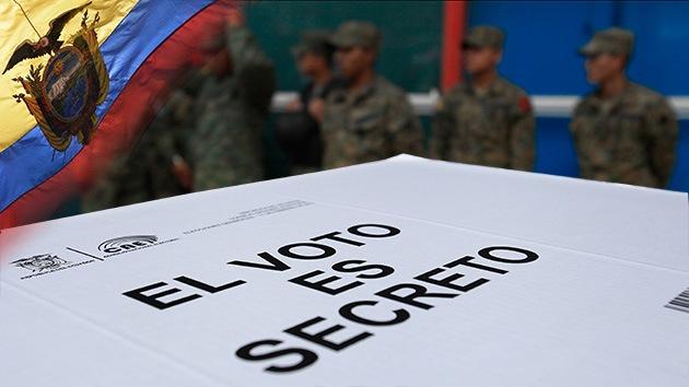 Ecuador acude a las urnas con Correa al frente de todos los sondeos