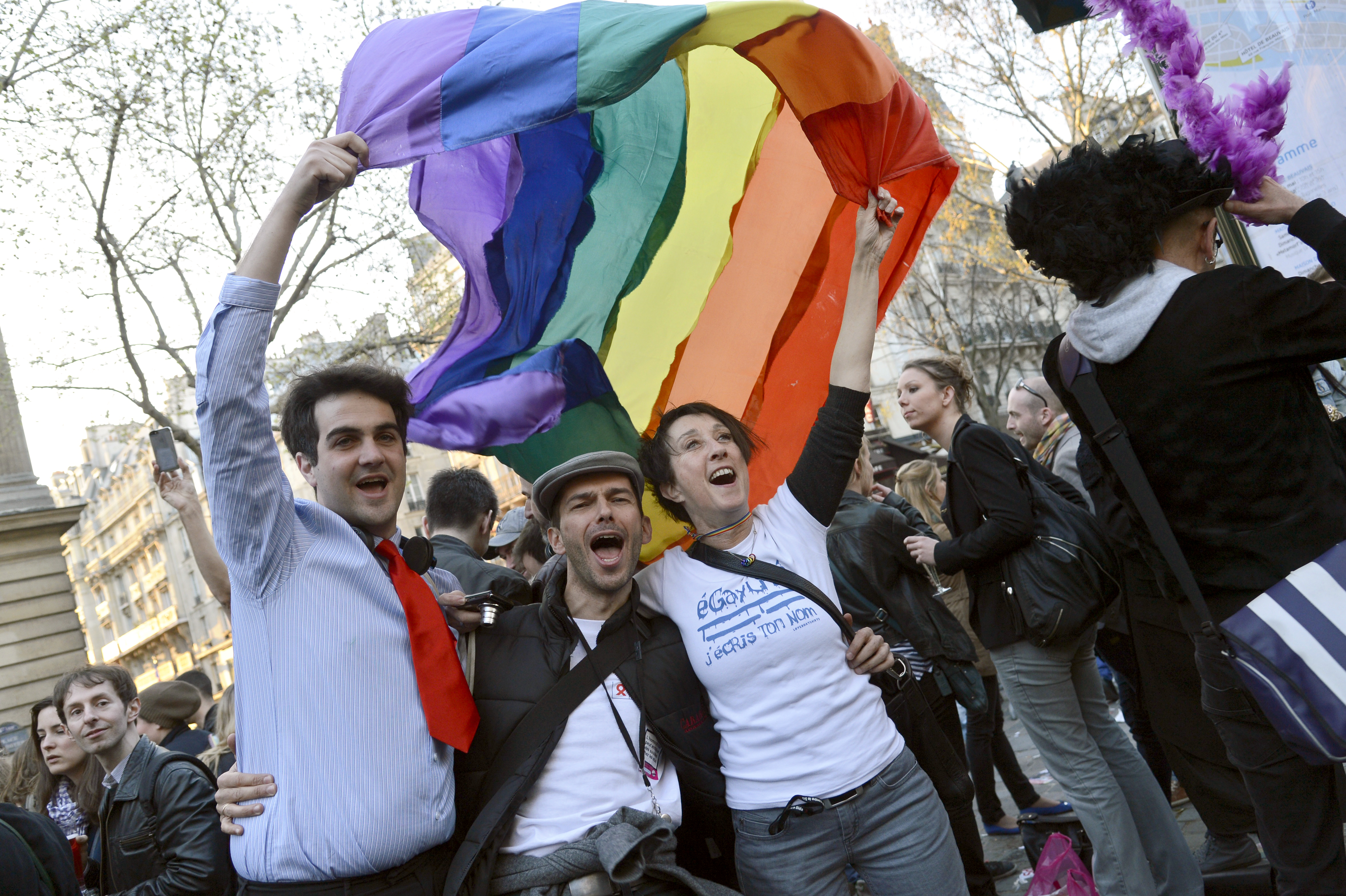 say yes to homosexual marriage Australians vote overwhelmingly in favor of same-sex marriage in a national survey, paving the way for legislation to make the country the 26th nation to formalize the unions and sparking colorful celebrations.