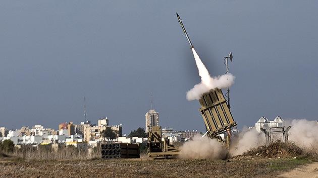Israel trabaja sin pausa fabricando misiles interceptores para su 'Cúpula de Hierro'