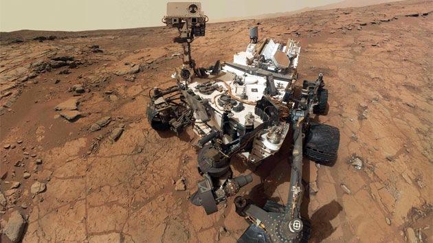 NASA ha capturado fotos del Curiosity y de sus huellas desde la órbita de Marte
