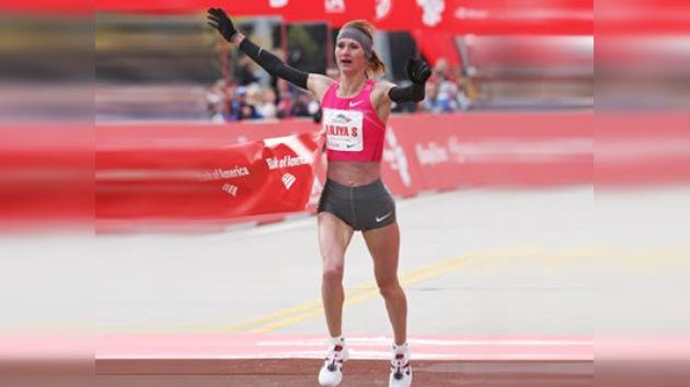 Lilia Shobujova conquista por segundo año consecutivo la Maratón de Chicago