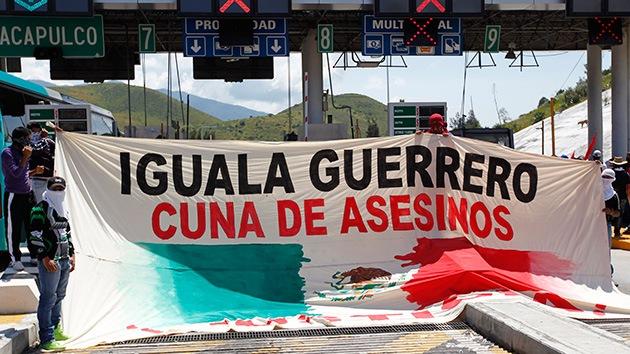 Iguala, 43 días en vilo sin sus 43 estudiantes