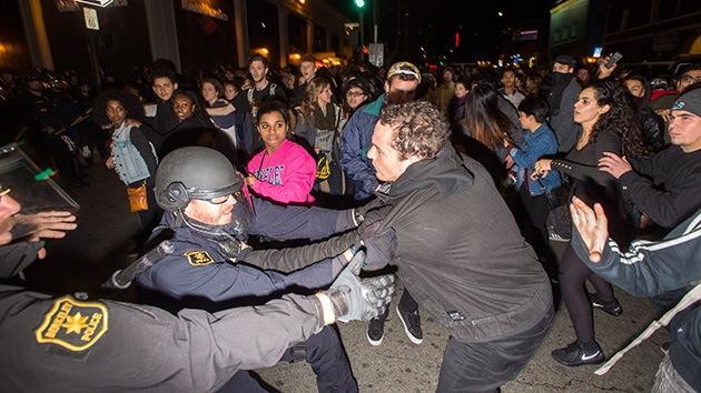 Continúan las protestas en Berkeley tras fuertes choques con la Policía