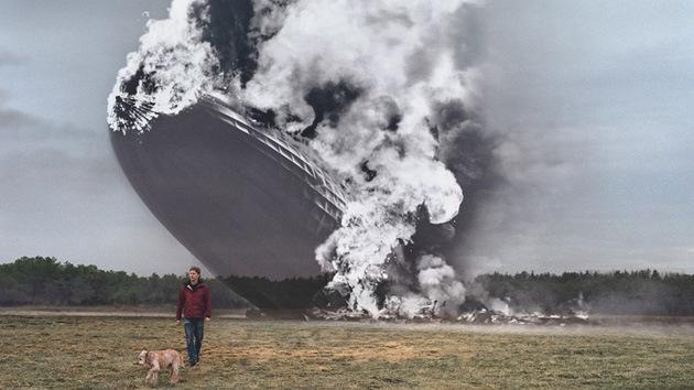 La historia se cuela en la foto: impactantes estampas funden el pasado y el presente