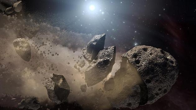 Fotos: Registran enigmática desintegración de un asteroide
