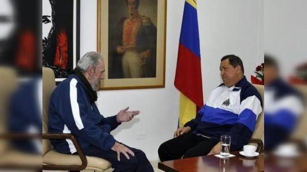 Chávez se deja ver junto a Fidel Castro tras su operación en La Habana