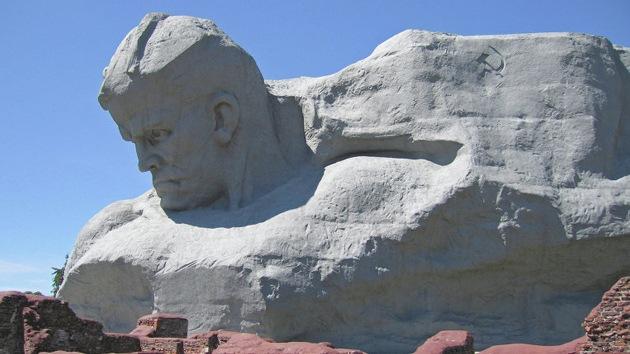 CNN coloca un monumento a los héroes de guerra soviéticos en la lista de los más feos
