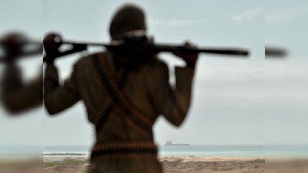 Los piratas somalíes continúan sus ataques