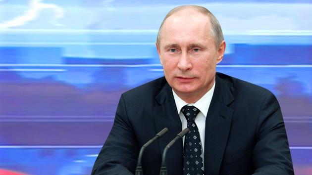 Vladímir Putin da una megaconferencia de prensa ante más de mil periodistas
