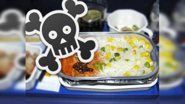 La comida de American Airlines, más peligrosa que sus aviones