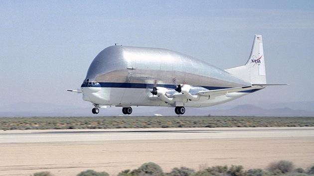 Fotos: El abombado avión de transporte de la NASA donde caben naves espaciales