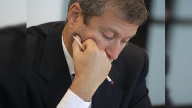 Abramóvich queda fuera del 'top tres' de los más ricos de Rusia