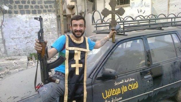 FOTOS: Rebeldes sirios profanan iglesias cristianas