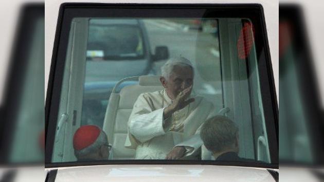 El Papa Benedicto XVI condena el embargo de EE. UU. a Cuba