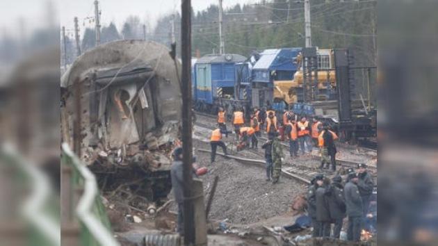 Rusia: los sospechosos del atentado contra un tren afrontan los cargos