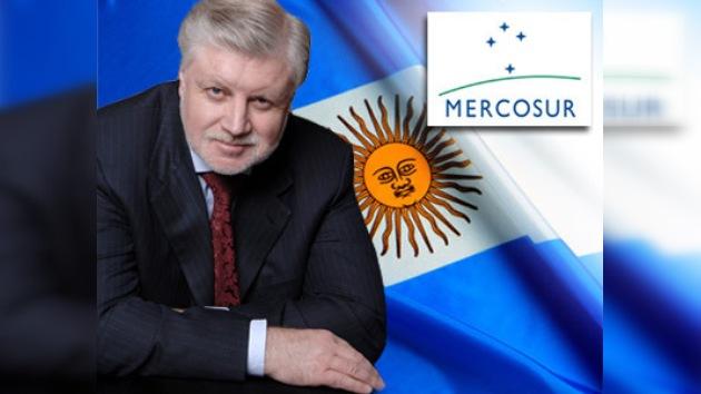El mayor senador ruso visita Buenos Aires
