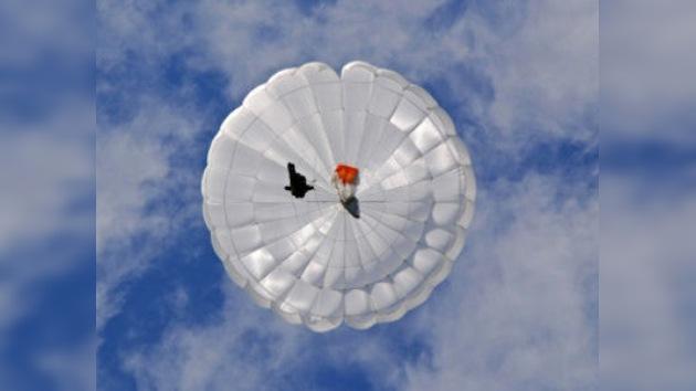 Hace 62 años fue realizado el primer salto con paracaídas al Polo Norte