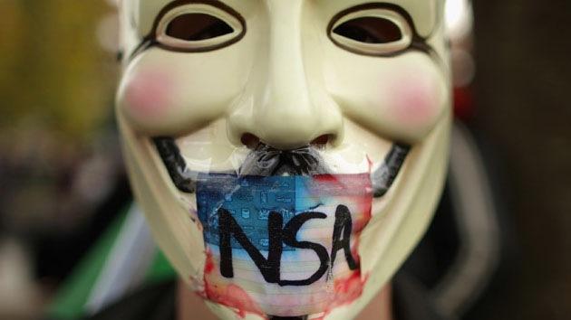 Dos facciones de Anonymous amenazan con emprender una ciberguerra entre sí