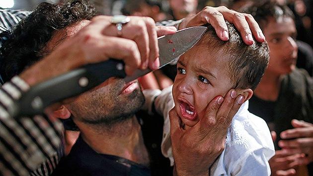 Fuertes imágenes: Niños ensangrentados en la fiesta chií de la Ashura