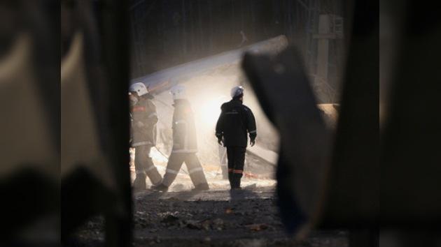 Aumenta a 44 el número de víctimas en la explosión de la mina siberiana