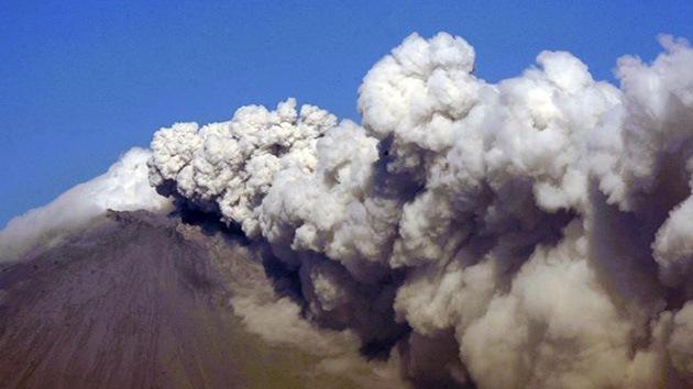 El volcán Popocatépetl registra explosiones de fragmentos incandescentes