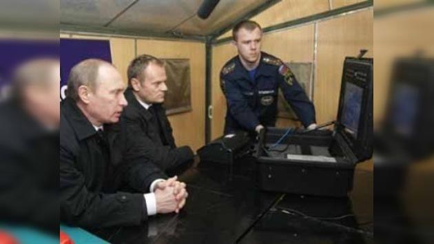 Vladímir Putin recorre el lugar de la tragedia