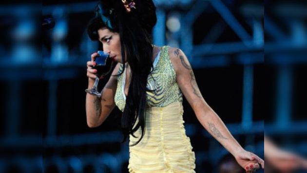 """Promotor del concierto de Winehouse en Moscú: """"salió a escena arrastrándose como un zombi"""""""