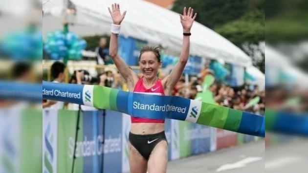 Albina Mayorova fue la más rápida en la maratón de Singapur
